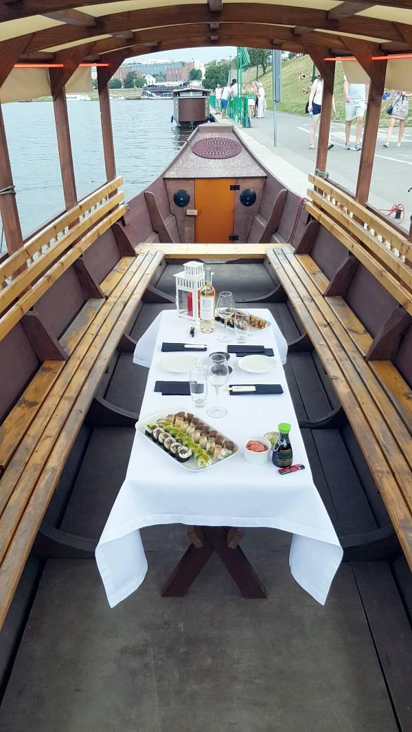 Przyjęcie urodzinowe na pokładzie Gondoli